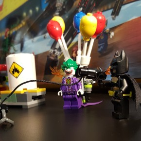 LEGO Batman Movie 'The Joker Balloon Escape' set review and video!