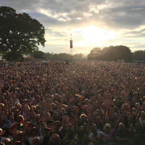 Review: Bryan Adams at Powderham Castle, Devon