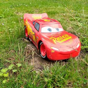 Vlog: Cars 3 Lightning McQueen RC Car review (Exclusive RRCDesign)
