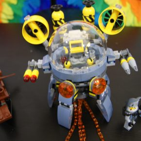 LEGO Ninjago set review: 70610 Flying Jelly Sub Fast-Build and Gallery