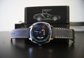 Review: DeLorean Motor Company | DMC Alpha Blue Watch