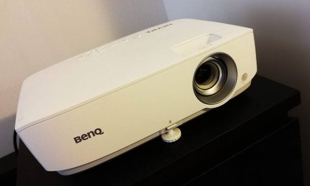 Tech Review: BenQ W1050 Home Cinema Projector | critical popcorn