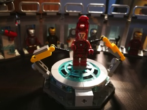 LEGO Set Review: Avengers Iron Man Hall of Armour(76125)