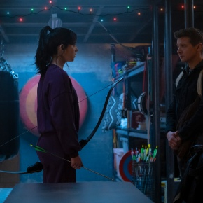 Disney+ and Marvel Studios are giving us all a Christmas present, with more than one bow, it's the trailer for Hawkeye starring Jeremy Renner and HaileeSteinfeld!
