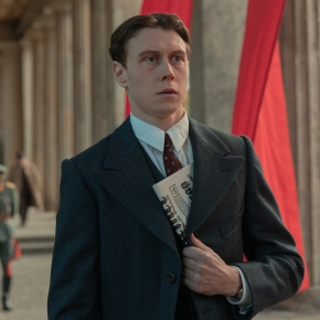 First look at Netflix's 'Munich– TheEdge of War' starring George MacKay, Jannis Niewöhner, Jeremy Irons and SandraHüller