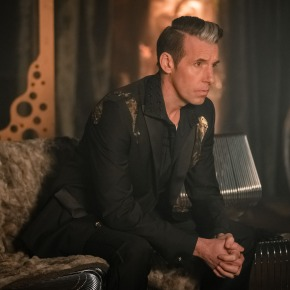 More new stills from Doctor Who S13 and interviews with John Bishopand JacobAnderson